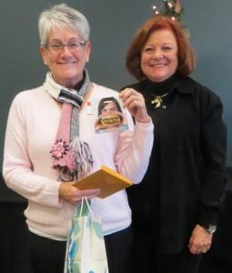 Mystery Bag winner Linda Skipper with Adele Krhovsky